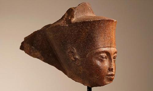 Đầu tượng pharaoh Tutankhamun được bán đấu giá 6 triệu USD. Ảnh: Al Jazeera.