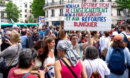 Giáo viênPháp biểu tình phản đối cải cách kỳ thi tú tài vào năm 2021. Ảnh: AFP