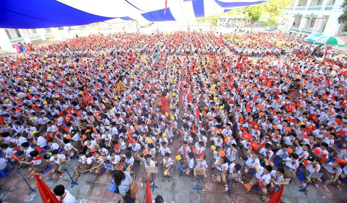 Học sinh trường Tiểu học Chu Văn An (Hoàng Mai) trong lễ khai giảng năm học 2018 - 2019. Ảnh: Gia Chính
