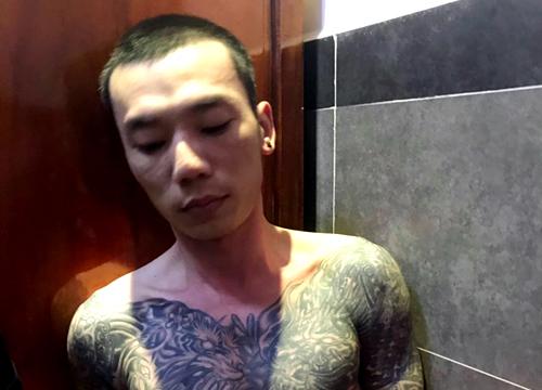 Nguyễn Viết Huy bị bắt khi đang ở trong khách sạn. Ảnh: Công an cung cấp.