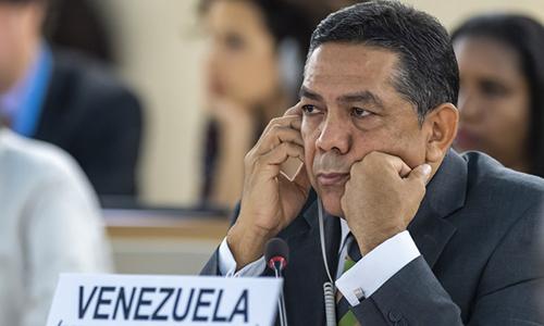 Thứ trưởng Ngoại giao Venezuela William Castillo tại phiênhọp của Hội đồng Nhân quyền Liên Hợp Quốc tại Geneva, Thụy Sĩ 5/7. Ảnh: AP.