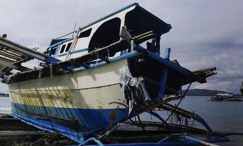 Tàu cá Gemvir-1 sau khi được đưa về bờ hôm 14/6. Ảnh: Straits Times.