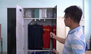 Sinh viên TP HCM chế tạo tủ sấy quần áo điều khiển từ xa