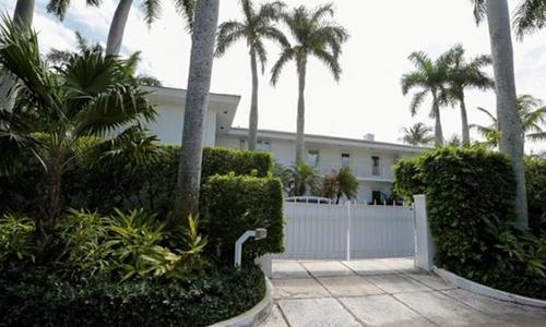Biệt thự của Epstein ở Palm Beach, Florida, Mỹ. Ảnh: Reuters.