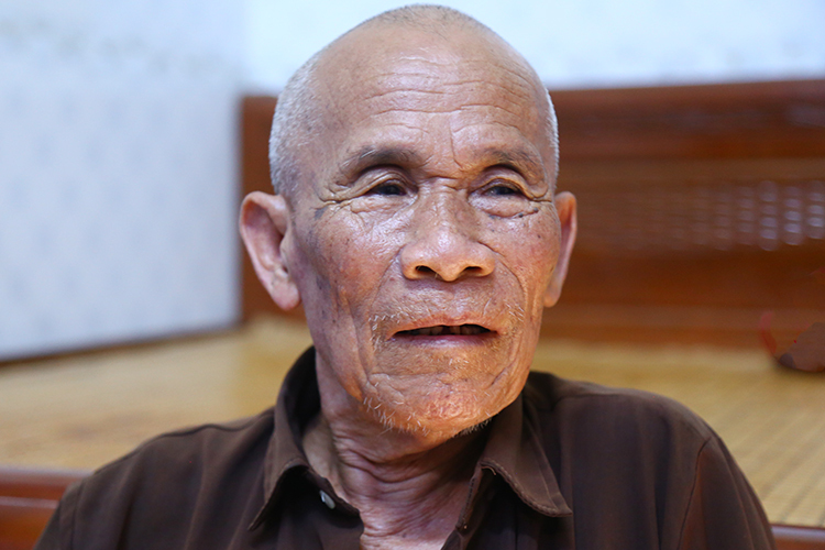 Ông Trần Văn Thêm mong được minh bạch số tiền bồi thường. Ảnh: Phạm Dự.