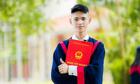 Nam sinh 18 tuổi học đại học trực tuyến tại quán internet