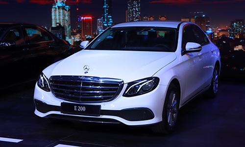 Mercedes E 200 mới nâng cấp động cơ.