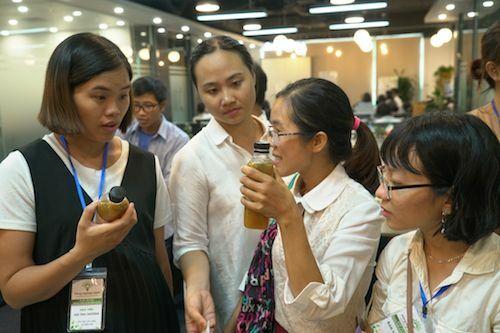 Các học viên chia sẻ về sản phẩm của mình.