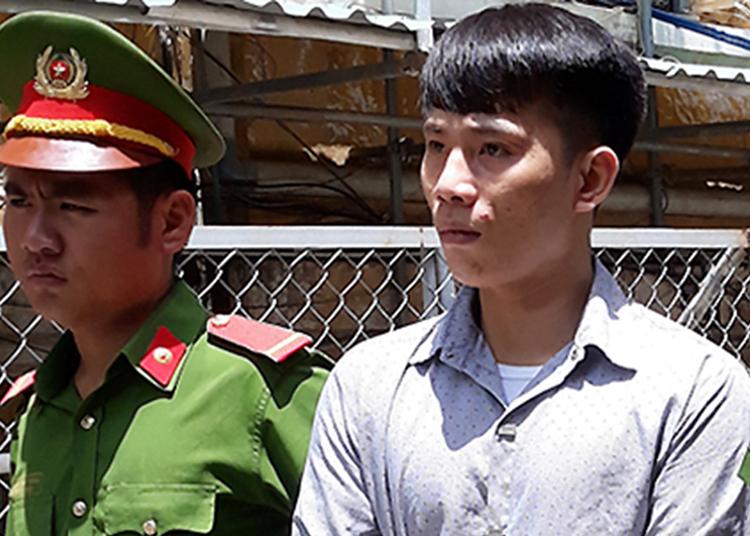 Bị cáo Tuấn sau phiên tòa. Ảnh: Ka Phượng.