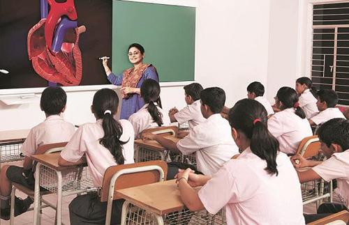Một lớp học ở Ấn Độ. Ảnh: Business