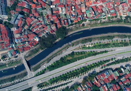 Sông Tô Lịch nhìn từ trên cao. Ảnh: Giang Huy