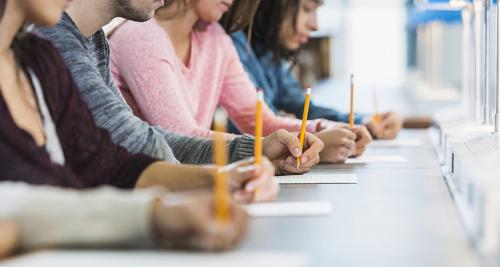 Điểm tổng kết các năm học có vai trò rất quan trọng trong hồ sơ của một học sinh.