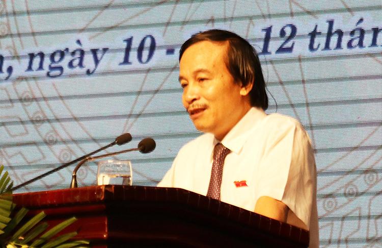 Ông Võ Duy Việt tại phiên chất vấn chiều 11/7.
