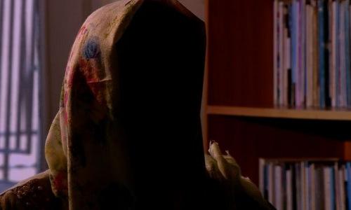 Người phụ nữ giấu mặt trong cuộc phỏng vấn. Ảnh: BBC