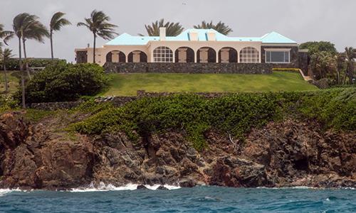 Dinh thự của tỷ phú Epstein trên đảoLittle St. James ở biển Caribe, Mỹ ngày 9/7. Ảnh: AP.