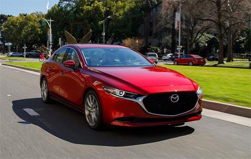 Mazda3 đời 2019 thuộc danh sách triệu hồigồm cả bản sedan và hatchback.