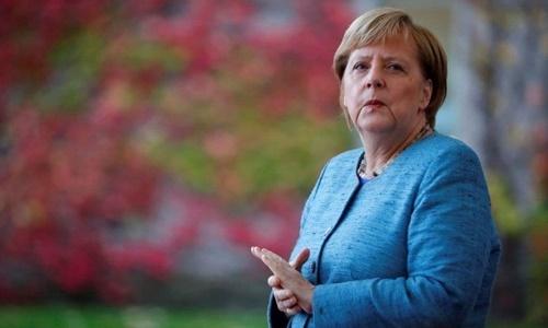 Tranh cãi về chuyển giao quyền lực ở Đức sau ba lần run bần bật của bà Merkel