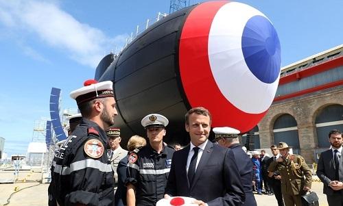 Tổng thống Pháp Emmanuel Marco tham gia lễ hạ thủy tàu ngầm Suffren. Ảnh: AFP.