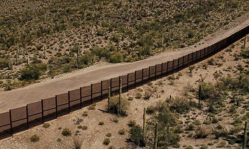 Một đoạn tường biên giới tại bang Arizona, gần nơi bé Gurupreet thiệt mạng. Ảnh: CNN.