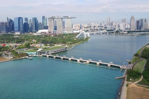 Đập Marina Barrage nhìn từ trên cao. Ảnh: Today Online.