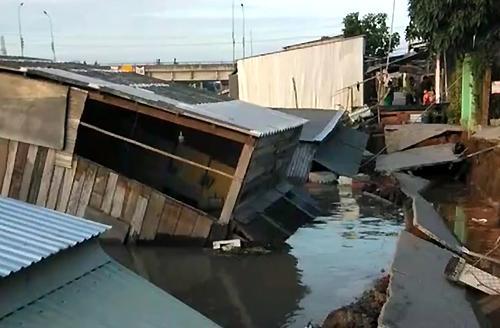 Hiện trường vụ sạt lở bờ sông Nha Mân ngày 15/7. Ảnh: Huỳnh Vân.