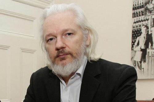 Nhà sáng lập WikiLeaks Julian Assange. Ảnh: Reuters.