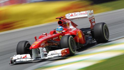 Xe đua F1 của đội Ferrari 150 Italia do Fernando Alonso cầm lái tại trường đua Interlagos, Sao Paulo, Brazil năm 2011. Ảnh: Formula1.