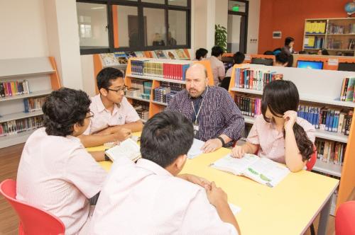 Đội ngũ giáo viên tại Trường Quốc tế Singapore được lựa chọn kỹ lưỡng, có bằng cấp quốc tế.
