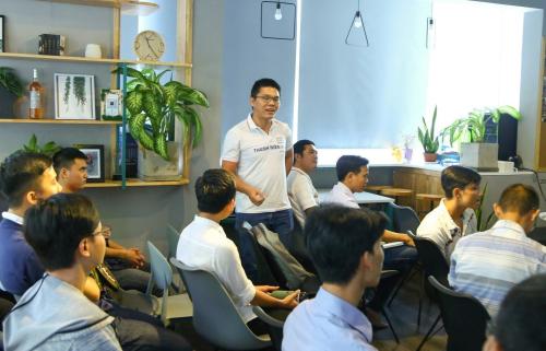 Sinh viên FUNiX có cơ hội học trực tiếp với các chuyên gia công nghệ, cập nhật kiến thức nghề.