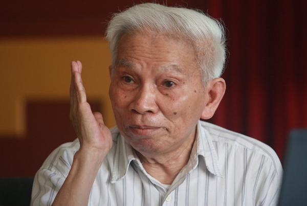 Giáo sư Hoàng Tuỵ. Ảnh: Nguyễn Đình Toán.