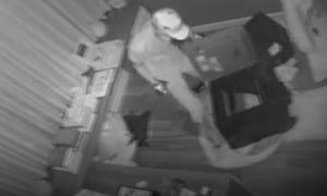 Camera ghi hình tên trộm đột nhập nhà ca sĩ Nhật Kim Anh