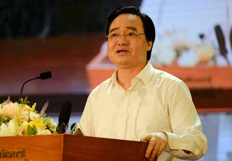 Bộ trưởng Phùng Xuân Nhạ chủ trì hội nghị trực tuyến sáng 17/7. Ảnh: T.H
