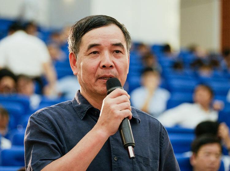 TS Lê Trường Tùng phát biểu tại hội nghị. Ảnh: