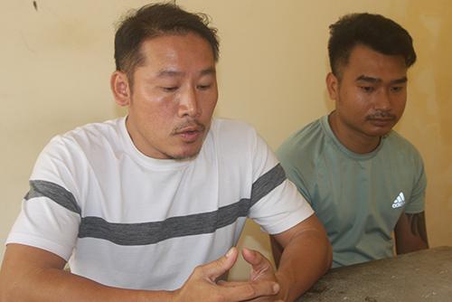 Ngọc (áo trắng) cùng Việt tại cơ quan cảnh sát điều tra. Ảnh: Thái Hà