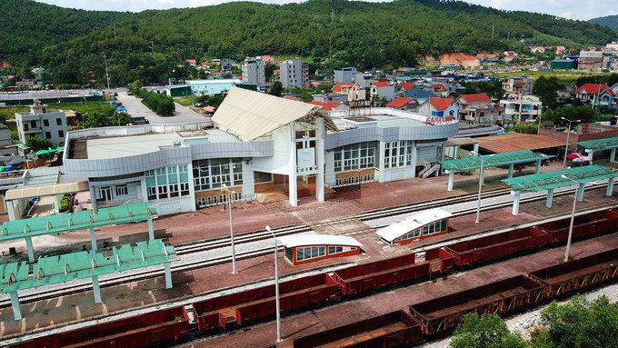 Tuyến đường sắt nghìn tỷ đồng vắng bóng tàu