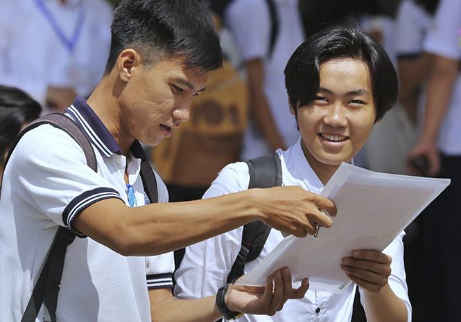 Thí sinh dự thi THPT quốc gia năm 2019 tại TP HCM. Ảnh: Quỳnh Trần