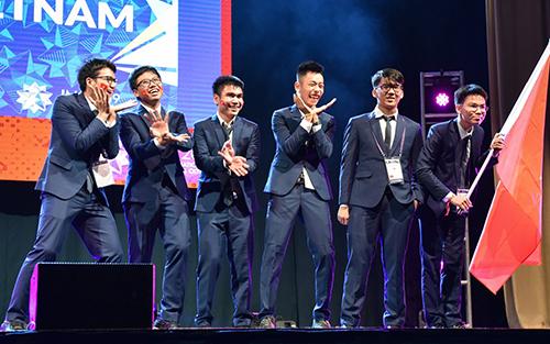 Sáu thí sinh Việt Nam dự thi Olympic Toán quốc tế năm 2019. Ảnh: Cục Quản lý chất lượng
