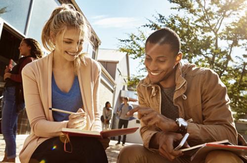 Trường học sẽ tạo nhiều sự kiện để gắn kết sinh viên quốc tế. Nguồn: Educations