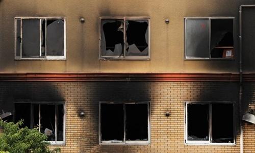 Tòa nhà của xưởng phim Kyoto Animation sau khi bị phóng hỏa ngày 18/7. Ảnh: Reuters.
