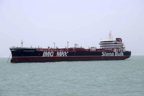 Tàu chở dầu Stena Impero mang cờ Anh bị Iran bắt ngày 19/7. Ảnh: AP.