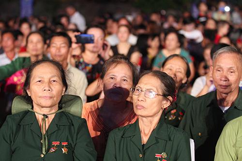 Hà Tĩnh tưởng niệm ngày hy sinh của 10 cô gái ngã ba Đồng Lộc