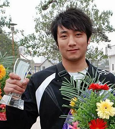 Phàn Soái Hâm cách đây khoảng 10 năm. Anh từng thi đấu nhiều giải thuộc hệ thống võ cổ truyền và tán thủ.