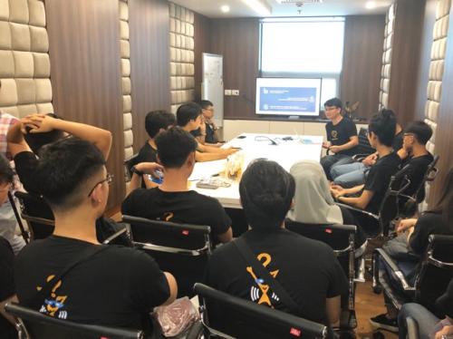 Chuyên gia Blockchain của Tomochain chia sẻ với sinh viên FUNiX trong chương trình