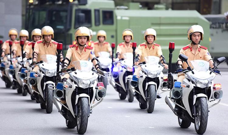Học viên Học viện Cảnh sát nhân dân biểu diễn tại lễ kỷ niệm thành lập trường năm 2017. Ảnh: Giang Huy