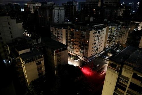 Tình hình mất điện tại thủ đô Caracas, Venezuela ngày 22/7. Ảnh: Reuters.
