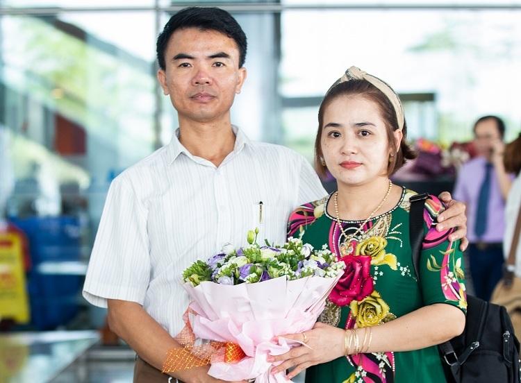 Bố mẹ của Minh Trung. Ảnh: Đình Tùng