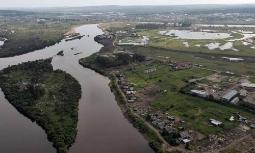 Thị trấn Tulun ở tỉnh Irkutsk vẫn ngập nước. Ảnh: Newsweek.