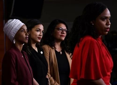 Từ trái sang phải: Ilhan Omar, Alexandria Ocasio-Cortez, Rashida Tlaib và Ayanna Pressley. Ảnh: AFP.