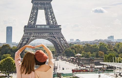 Hãy tích cực kết bạn khi du học Pháp. Ảnh:Gooverseas