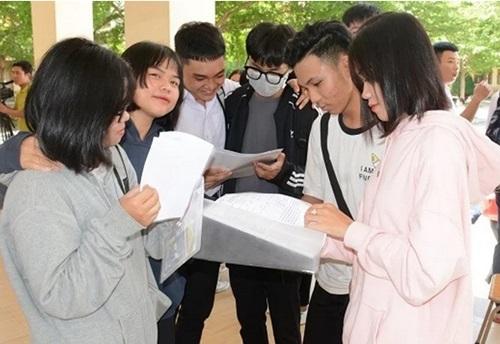 Thí sinh dự thi THPT quốc gia năm 2019 tại Tây Ninh. Ảnh: Báo Tây Ninh.